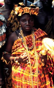 Abeadze Dominase, une reine-mère fante du Ghana en 1975 par Doran H Ross