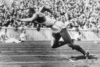 Jesse Owens : Le premier athlète noir de renommée mondiale