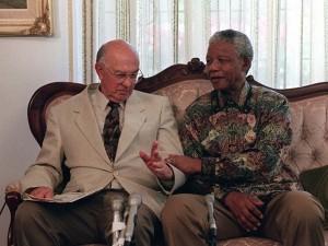 Nelson Mandela et lancien Président afrikaner raciste , P.W. Botha