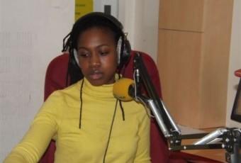 PORTRAIT D'EKIA BADOU : LA VOIX MUSICALE D'AFRICA N°1