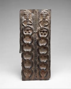 Plaque edo représentant des Portugais avec des bracelets de laiton, la monnaie de l'époque, 15ème siècle – 19ème siècle / ©  The Metropolitan  Museum of Art