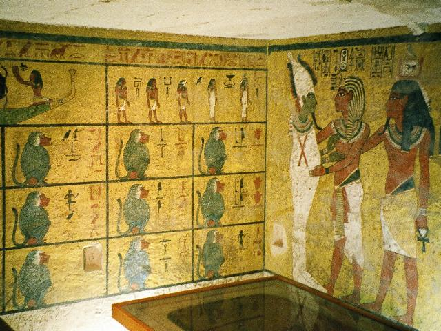 egypt-kv62-01-forget-grave-robbers-it-was-the-mummy-himself-who-was-cursed