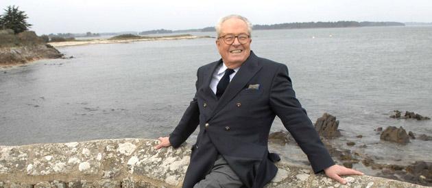 Jean Marie Le Pen, près de l'eau, il est à l'aise © Chamussy / SIPA