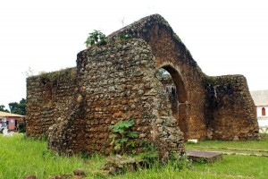 Cathédrale de Mbanza Kongo datant de 1549, l'une des plus vieilles d'Afrique sub-saharienne
