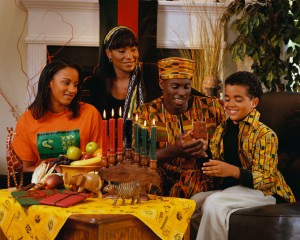 Famille US célébrant Kwanzaa