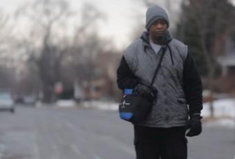 Belle histoire du jour : un étudiant offre 300 000 dollars à un ouvrier Afro-américain