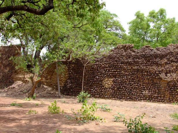 Les ruines de Loropeni