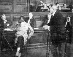 Blaise Diagne attaqué en diffamation après avoir révélé dans un journal les dessous d'une affaire portant sur la construction d'une mosquée en 1927 à Touba au Sénégal