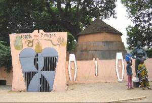 Temple du python dangbé à Ouidah, Bénin