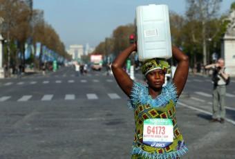 Quand le Marathon de Paris devient un lieu de revendication