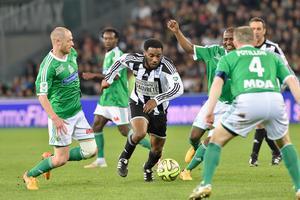 Football : Aubameyang, Okocha et Seedorf brillent dans un match contre la pauvreté et Ebola