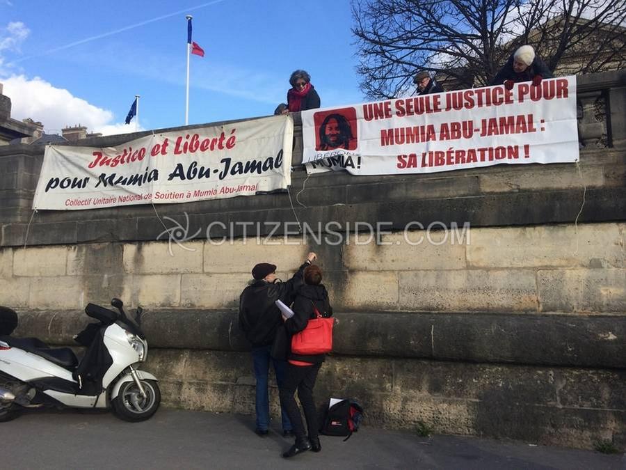 Manifestation en faveur de Mumia Abu Jamal, le 1 er avril 2015 à Paris