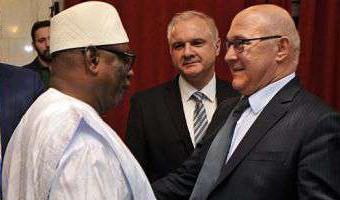 La France annule la dette du Mali