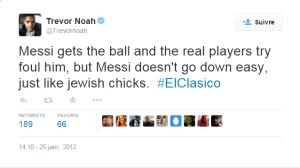 Messi reçoit la balle et les joueurs du Real essaient de le faire tomber, mais Messi ne se couche pas facilement, exactement comme les filles juives.