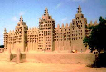 Mali : Tombouctou reconstruit les mausolées des saints