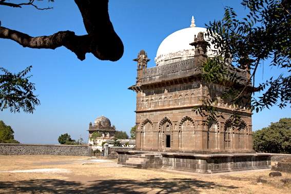 Tombe de Malik Ambar à Aurangabad, ville qu'il a lui-même fondé