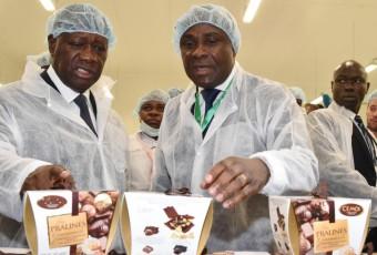 Côte d'Ivoire : Alassane Ouattara inaugure la première usine de transformation de cacao