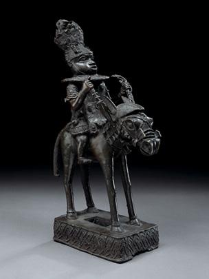 Oranmiyan, fondateur de l'empire de Bénin. Prince de la ville yoruba d'Ife, il avait été envoyé à Ogodomigodo pour fonder une nouvelle dynastie et régner sur ce pays. Décontenancé par le comportement des gens à Ogodomido, il décida, énervé, de quitter le pays jugeant que celui-ci ne pouvait être gouverné par quelqu'un né dans celui-ci et habitué à ses coutumes. Il appela la ville Ile Ubinu (ville des contrariétés) dont le nom a depuis évolué en Bénin et laissa le pouvoir à son fils Eweka, le premier roi de Bénin. Si vous voulez maintenir votre succès sur le web, ne faites pas comme Oranmiyan et faites en sorte d'apprendre les coutumes des gens et de vous y adapter.