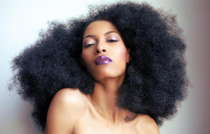 Astuce pour la pousse des cheveux naturels #1: LE CO-WASH