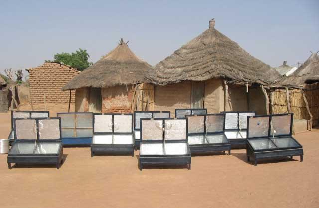 Le Sénégal expérimente la cuisinière solaire