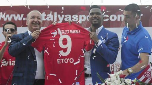 Football : Samuel Eto'o n'a pas manqué ses débuts en Turquie