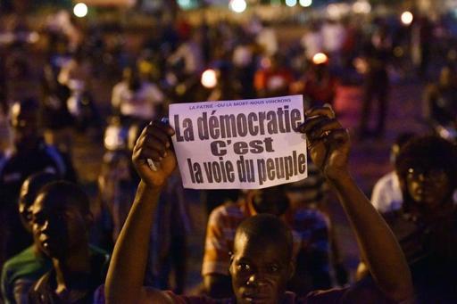 4763494_7_cb59_manifestation-contre-le-coup-d-etat-vendredi_f92ee81dc893d2b2ee48490a6fdb4647