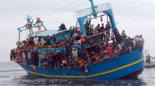 Migrants : la couleur de peau détermine la hiérarchie à bord des bateaux entre la Libye et l'Italie