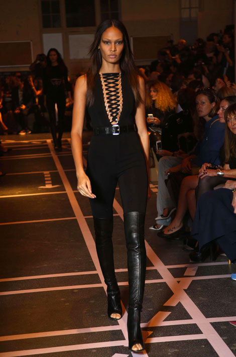 Joan Smalls pour Givenchy PFY 2015