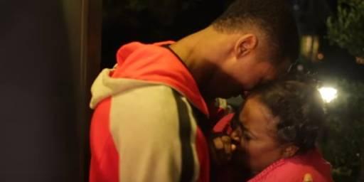 Un joueur de NBA offre un cadeau particulier à sa maman