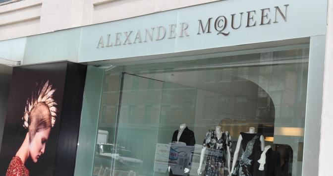 Racisme : Et de trois pour la marque Alexander McQueen !