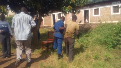 Arrestation d'un suspect par les forces de l'ordre