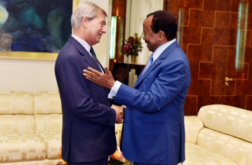 Cameroun: Bolloré ingaure une salle de cinéma à Yaoundé !