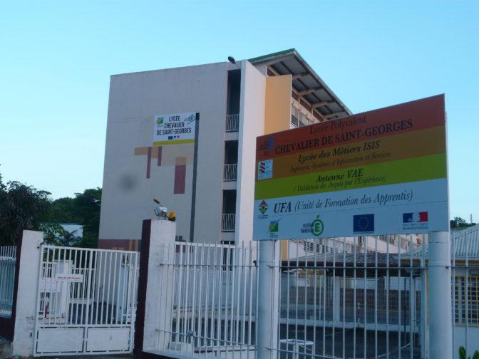 Guadeloupe : poignardé pour un téléphone portable