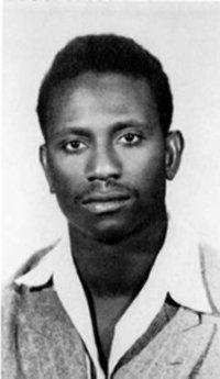 Le jeune Cheikh Anta Diop avait créé un système d'écriture appliqué à toutes les langues africaines