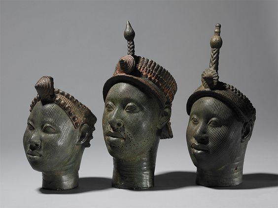 Bronzes du 14-15ème siècle représentant une reine et des rois d'Ife