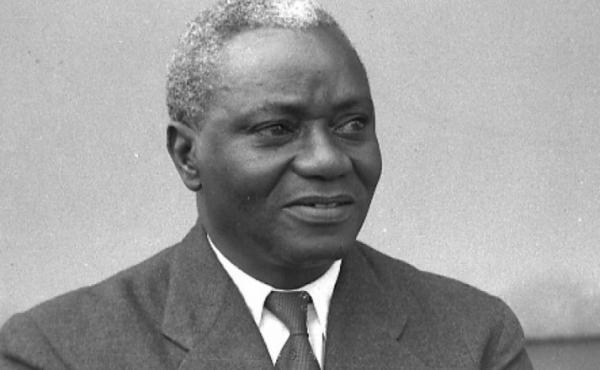 J.B. Danquah est à l'origine du choix du nom Ghana pour l'ancienne Côte de l'Or