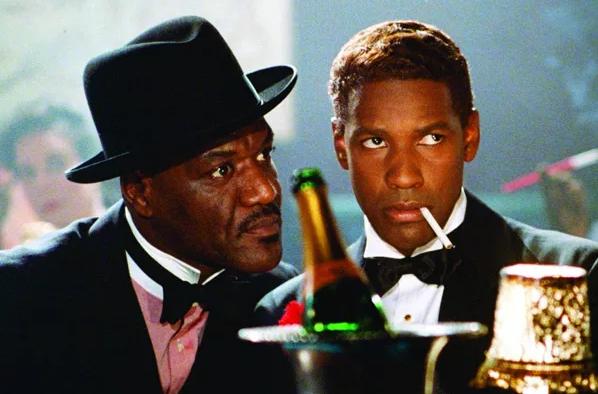 """Delroy Lindo dans le rôle d'Archie l'antillais au coté de Denzel Washington dans """"Malcolm X"""" de Spike Lee"""