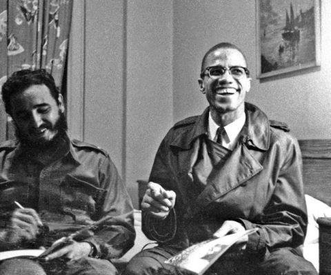 Pourquoi les drapeaux de tant de nations noires ont ils for Malcolm x fenetre
