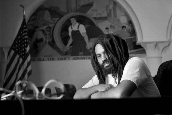 Souvenons-nous de Mumia Abu-Jamal, prisonnier politique afro américain