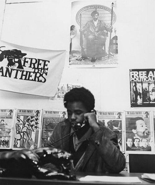 Mumia Abu-Jamal au siège des Black Panther Party de Philadelphie.
