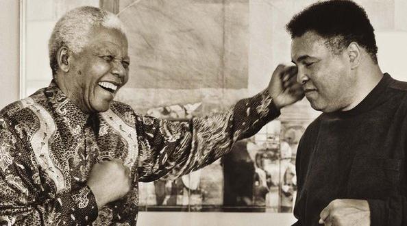 Une lettre de Muhammad Ali à Nelson Mandela vendue pour 8 579€