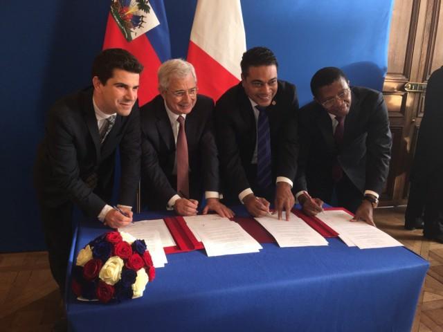 Paris lancera la bourse d'excellence Haïti-France en 2017