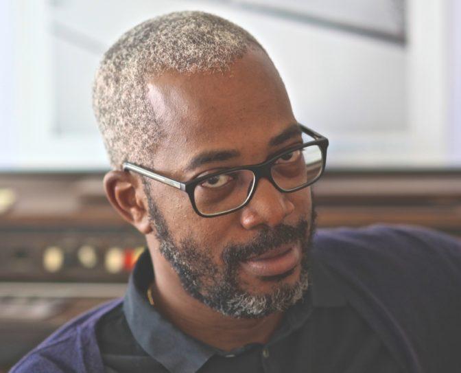 Faire de la fiction autrement: entretien avec Harold Varango, créateur de  la série Persuasif