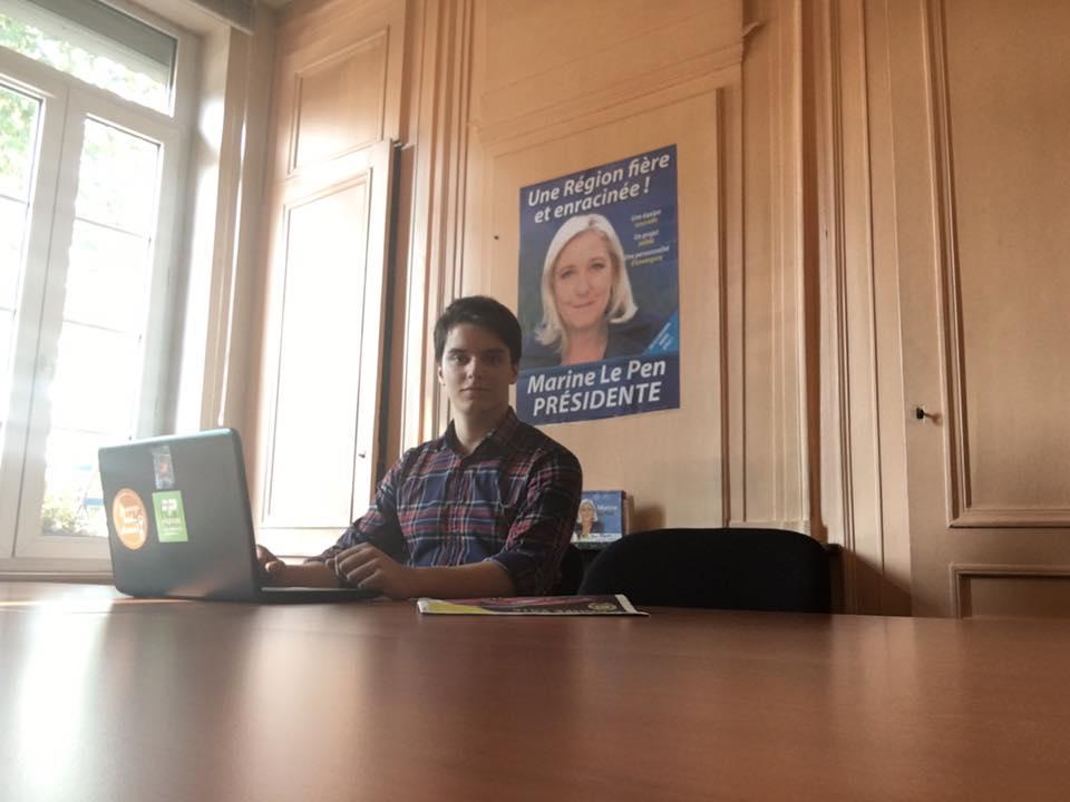 Eric Richemoz dans son bureau du Conseil Régional d'Amiens