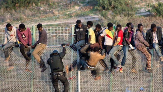 1100 migrants Noirs attaquent la frontière hispano-marocaine