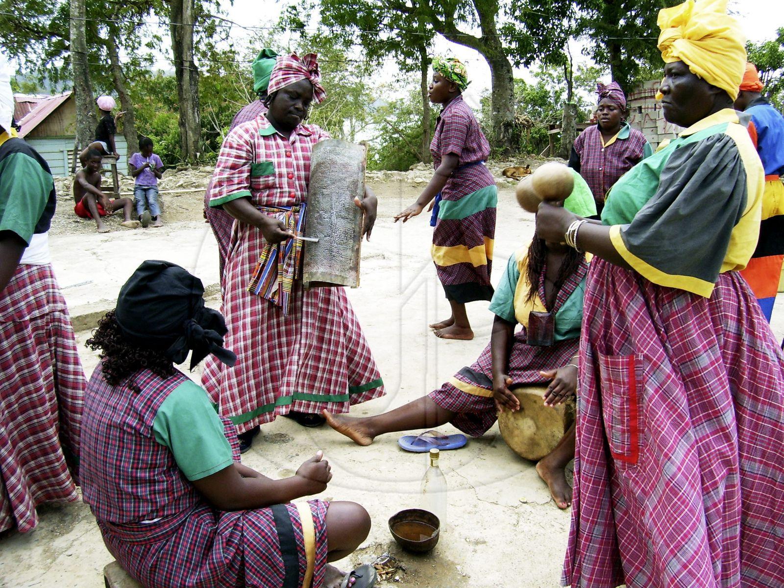 Un groupe exclusivement féminin de Kumina de Port Morant dans la paroisse de St Thomas.