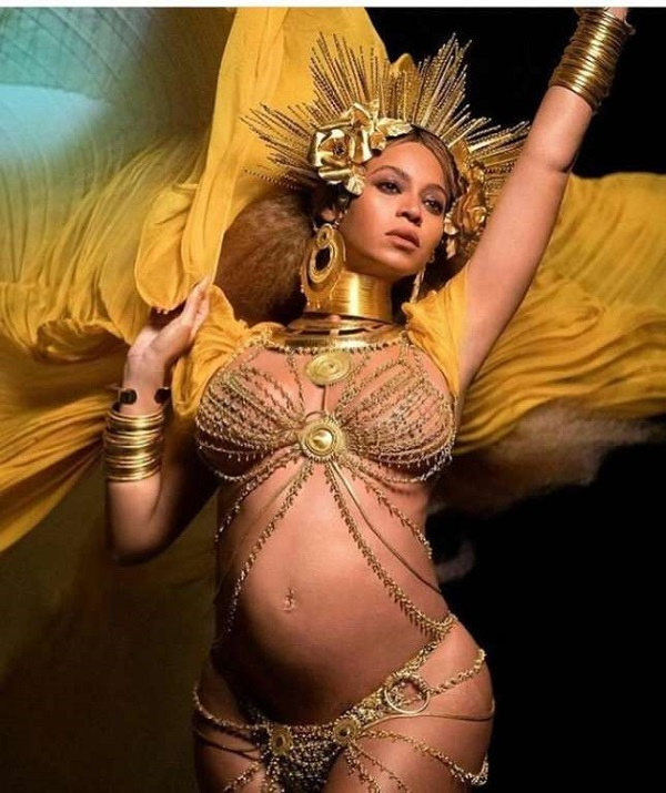 Beyoncé incarnant l'Orisha Oshun au Grammy Award 2017