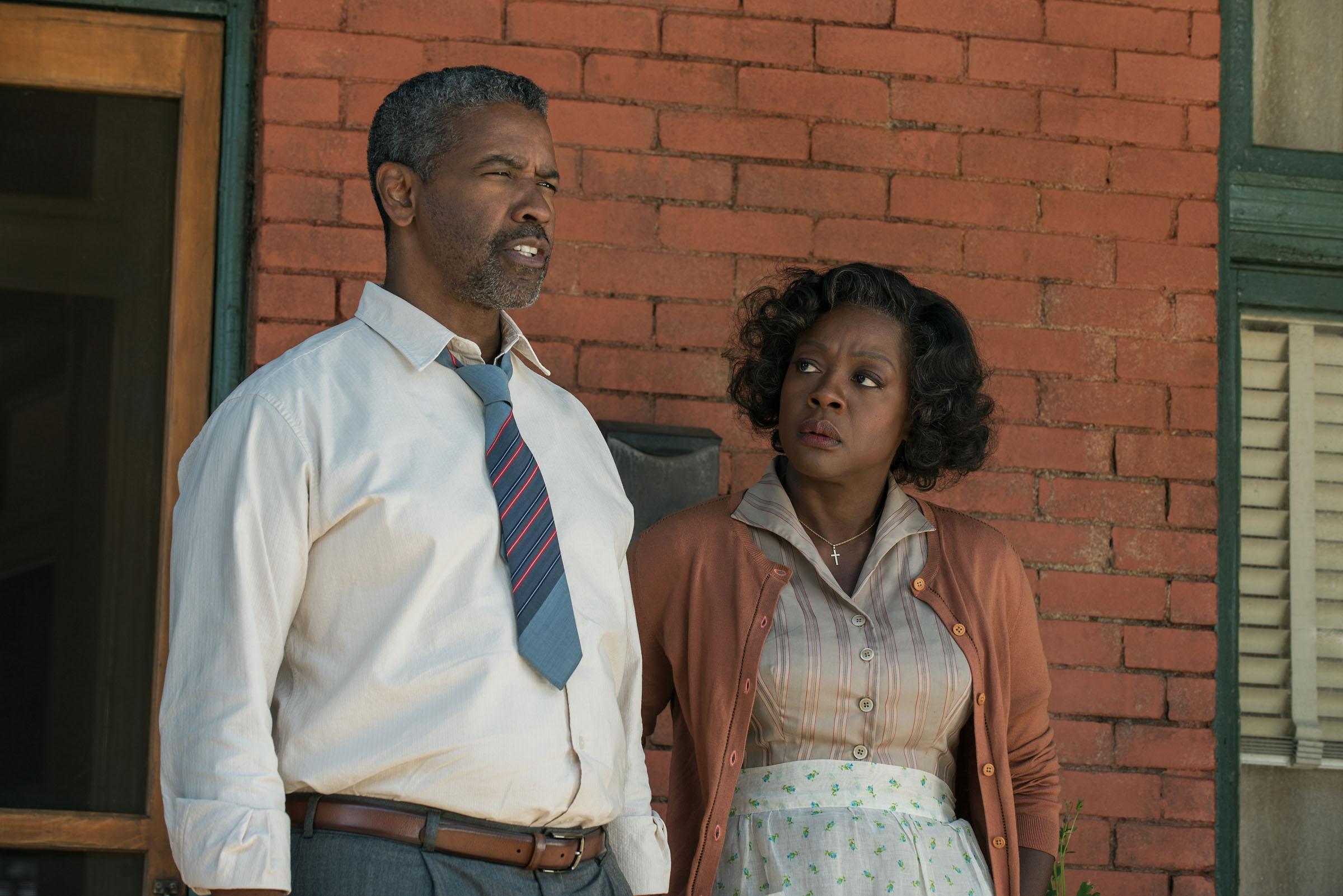 Denzel Washington dans le rôle de Troy Maxson et Viola Davis dans celui de Rose Maxson