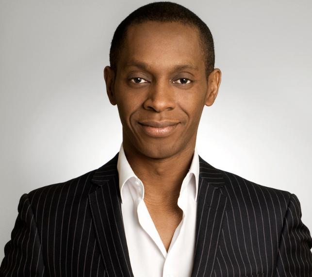 Claudy Siar animateur de «The Voice Afrique francophone» !
