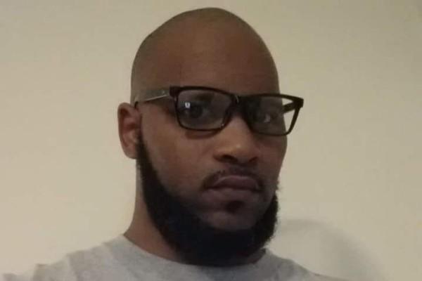 Fatigué des «Retourne en Afrique» il demande aux racistes de financer son départ par crowdfunding